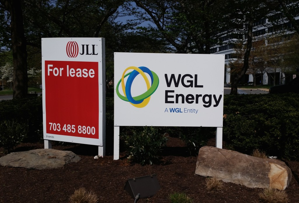 Site sign produced and installed by CSI for JLL. Visit csi2.com for more information.